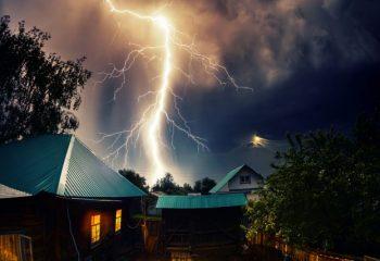 雷が我が家に落ちた! 想定できる火災保険の補償ケースは?