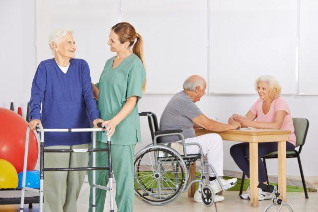 介護付き老人ホームはいいけど、高い・・毎月の費用をどう捻出するのがいいのか