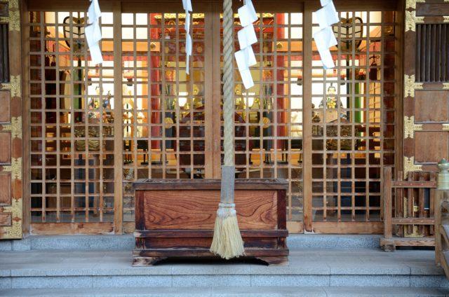 お賽銭もついにキャッシュレスの時代に。どんな神社・寺が対応している?