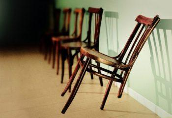 帰省中に子どもが家具を破損…。火災保険で補償されるって知っていますか?