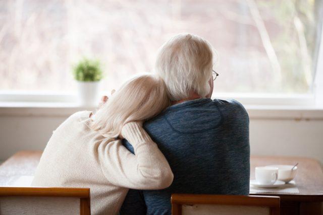 自宅・保険を使った熟年・老後資金の調達法。住み替え、リースバック、リバースモーゲージなどについて解説