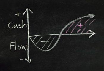 老後に必要な貯蓄額が分かる「キャッシュフロー表」って?