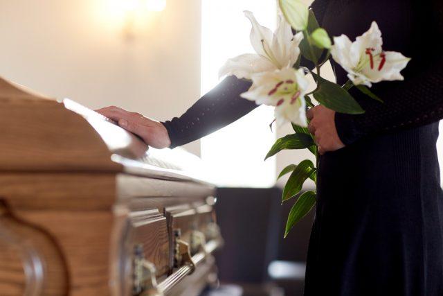 長く介護していた義母が亡くなった。法改正で特別寄与料が認められたけど、金銭の請求は容易ではない?