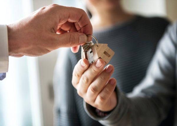 家の売買時の意識調査。購入前にみんなはどれくらい貯金しておく?約9割の人が災害を意識?