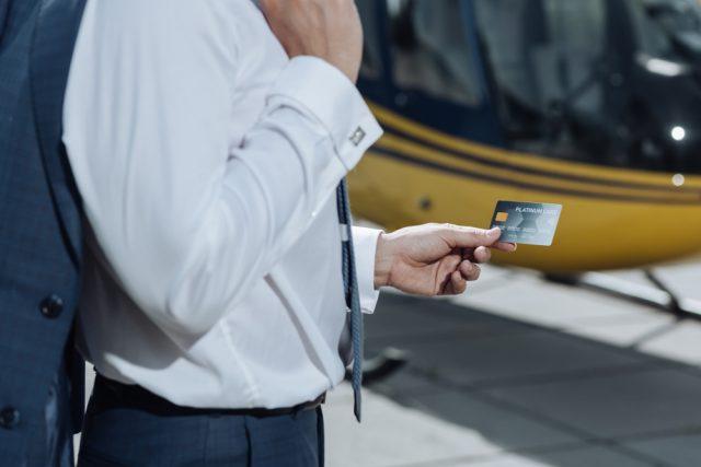 アメリカン・エキスプレス・カードで利用できる空港ラウンジはどのぐらいあるの?