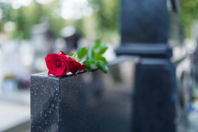 40代から始める終活!希望の埋葬法や墓じまいの費用など、終活の実態とは?