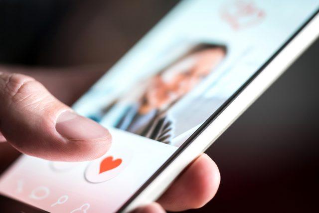 婚活マッチングアプリ市場は2025年に1060億円にまで拡大する!?