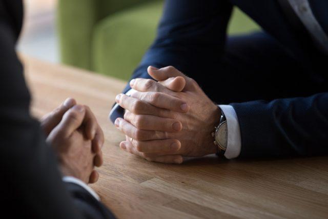 会社員です。副業を始めたいのですが、何に気をつければ良いでしょうか?