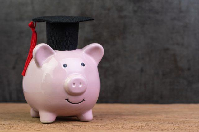 「子ども1人あたりの教育費は約1000万円」って本当?いくら貯めればいいの?