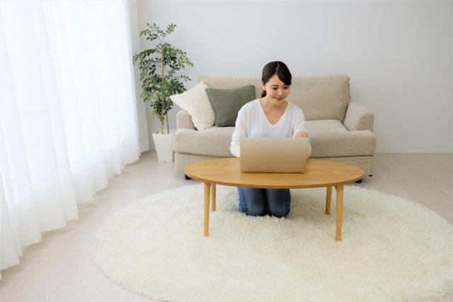 在宅勤務のメリットと課題って?自由な時間が増えたものの、PC関連機器や光熱費の出費増も