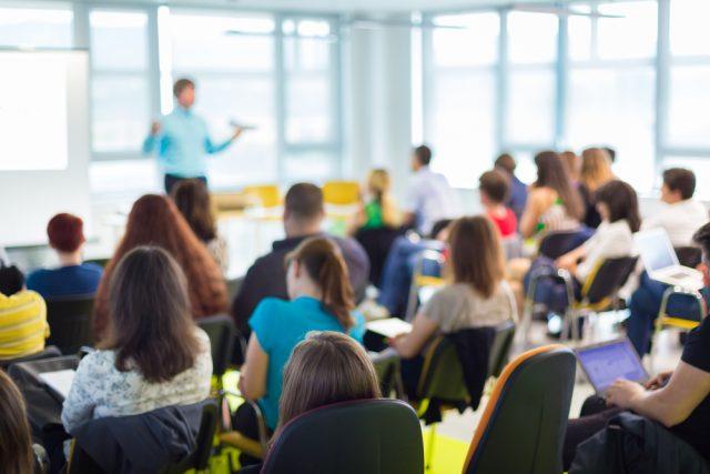 就職のため学校に通うと受けられる教育訓練給付金とは?(4)