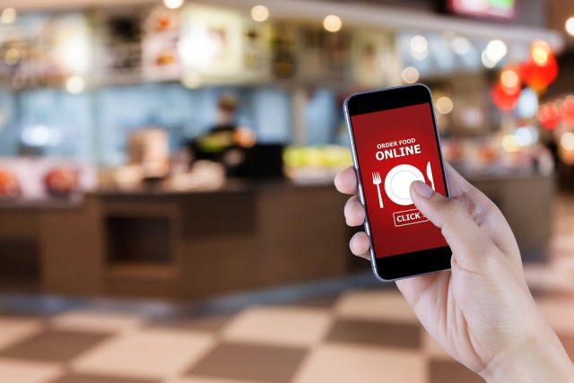 外食も自炊もめんどくさい!そんなとき便利な出前アプリ、利用頻度が高いのは何曜日?
