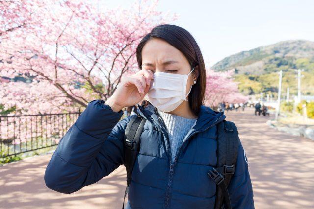 花粉症対策に月額いくらかかっている?みんなはどんな対策をしているの?