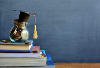 【相談事例】教育資金はどう準備する? 学資保険と外貨建て保険のメリットと注意点