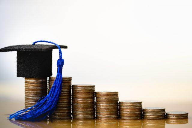 収入減で教育費の支払いに困ったら、どうすればいい?