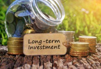 タイミングを計った難しい運用よりも、時間を味方につける長期・積立・分散投資を