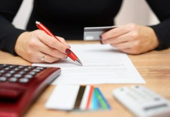 おまとめローンと借り換えの違いを解説!ローン一本化や金利の仕組みを理解しよう