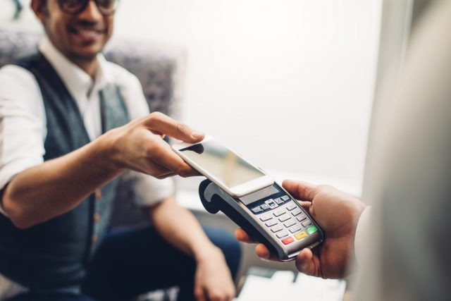 LINE Payが使えるお店一覧! あなたがよく行っているお店も使用可能?