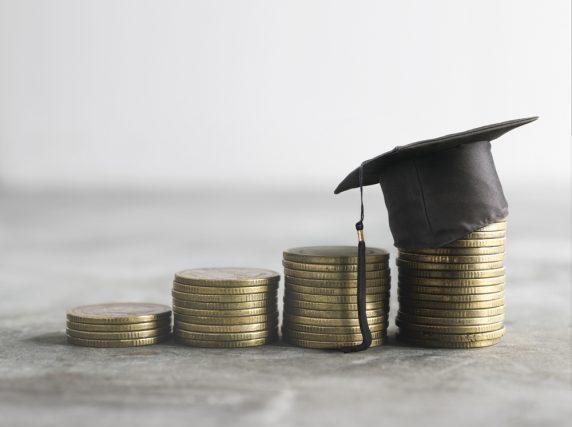 子どもの学費を用意するために利用する奨学金と教育ローン。両者の違い ...