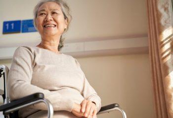 """介護保険料、なぜ値上げ? 令和2年から全面導入された""""総報酬割""""とは"""