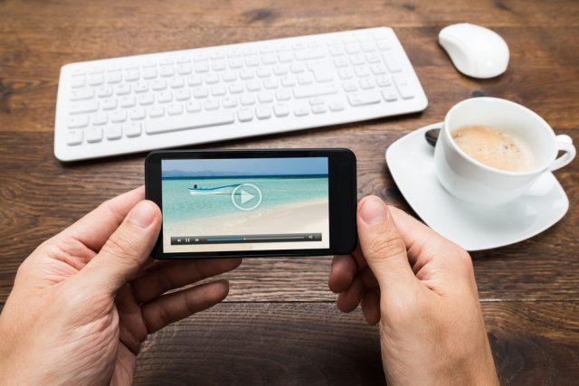 おうち時間をきっかけに動画視聴時間が増加。人気の有料動画配信サービスは?