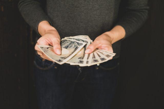 あなたが利用しようとしている業者、ヤミ金かも。知っておきたい給与ファクタリングについて