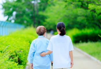 親が認知症かなっと思ったら介護保険を申請しましょう