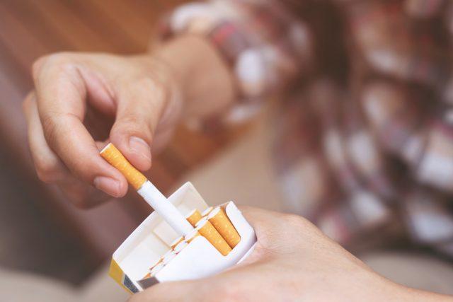 10月1日からのたばこ税増税。この機会に半数が禁煙、減煙する?