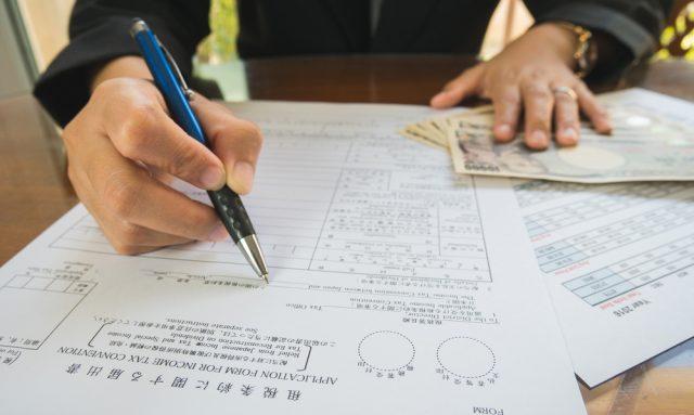 副業をしている人は注意したい。年末調整や確定申告のポイントは?