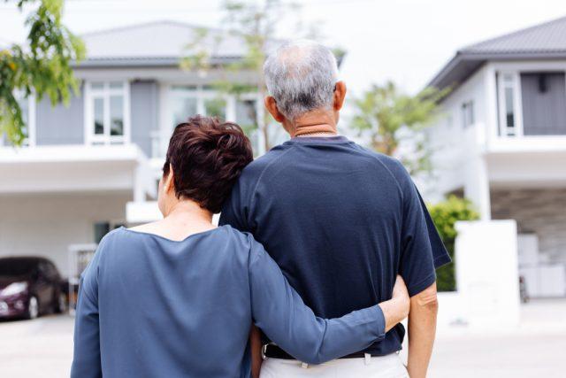 戸建て住宅でもコストはかかる…。高齢者の住まいどう選ぶ?