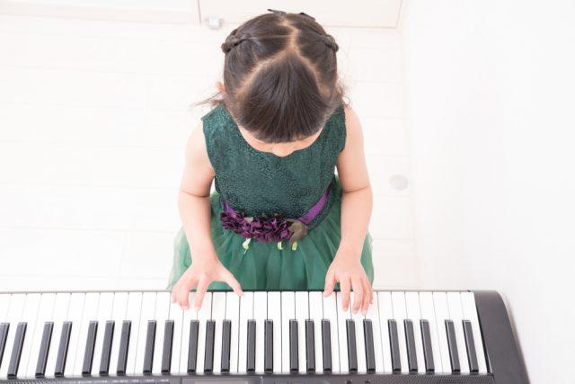 子どもの習い事、最初に始めたのは何歳?人気の習い事は?予算はいくら?