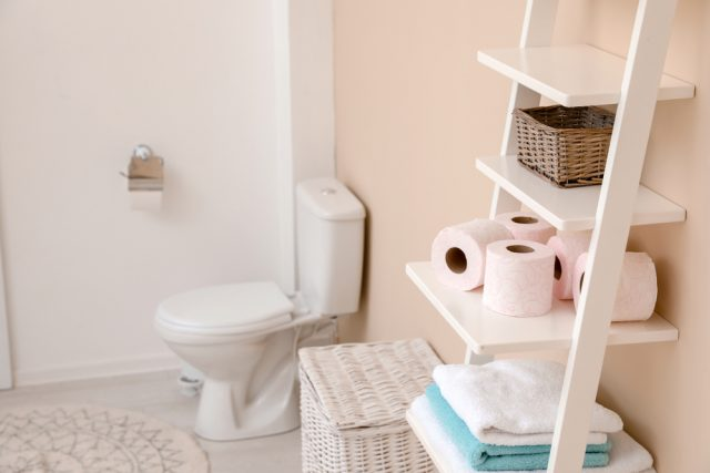 片づけの美学85 トイレ収納がない 隙間や頭上に収納スペースを見つける