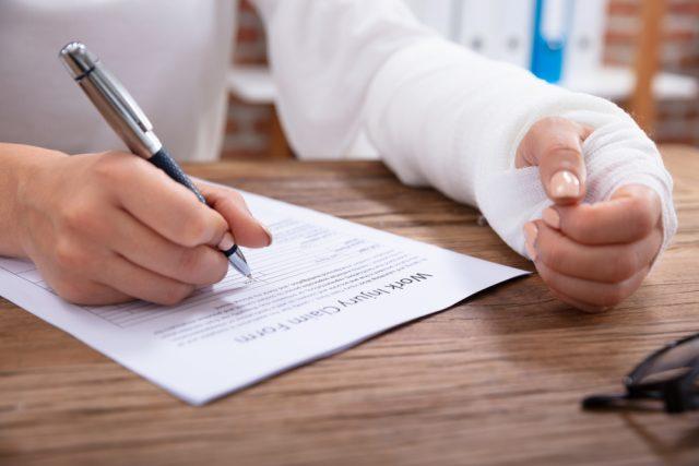 個人事業主こそ就労不能保険への加入を考えるべき?