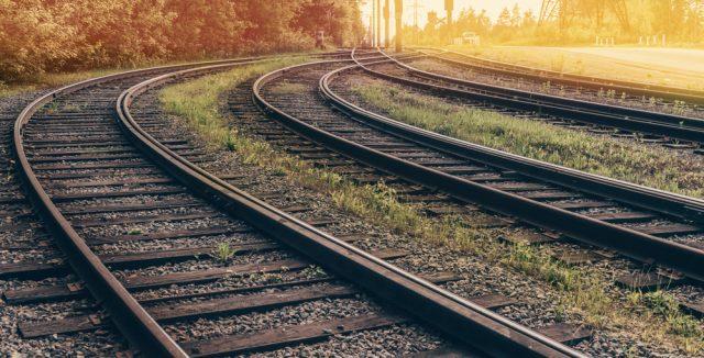 鉄道会社の競合路線の料金ってどう違うの?