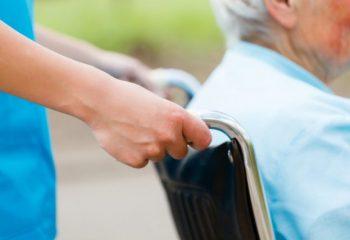 有料老人ホームの「介護付き」。勝手に名乗れないってどういうこと?