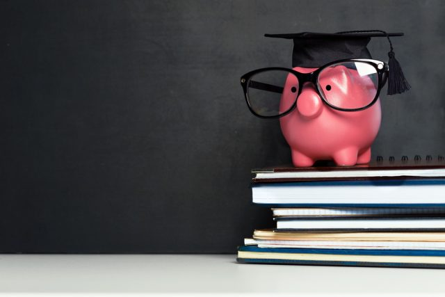 大学生の一人暮らし、いくらかかる?節約のカギと住居を決めるときの注意点