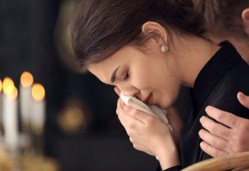 もしも夫・妻が亡くなったら、いくら受け取れる? 会社員の夫を亡くした、専業主婦の場合