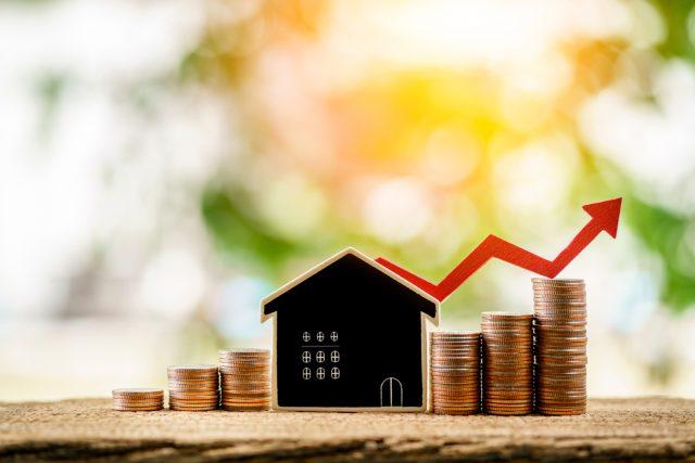 住宅ローン借り換えの際に悩む金利タイプ。固定金利型を選択したほうが良い場合って?