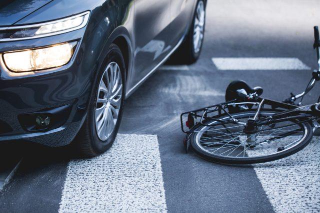 どうしよう、家族が自転車で事故を起こした!知っておきたい対応と事前の備えのこと