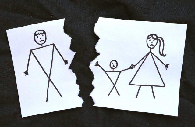 令和2年度から拡充されたひとり親家庭のための貸付制度「母子父子寡婦福祉資金」とは?