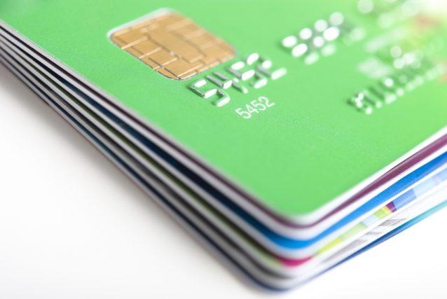 アメックスの家族カードを作るにはどうすれば良い? 気になる年会費と使える特典を解説
