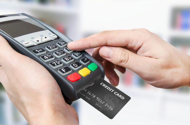 少額決済でクレジットは気まずい? 消費者と店側のキャッシュレスに対する意識とは