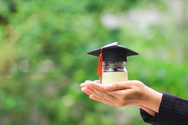 奨学金の繰上返還、いったいどのくらいメリットがあるの?