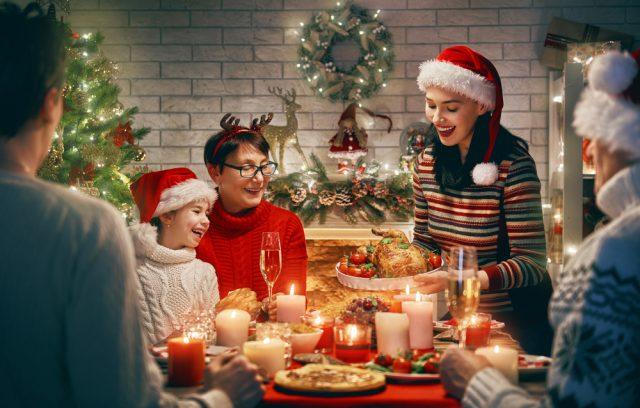 今年は家族で過ごすクリスマス。プレゼントの予算はいくら?