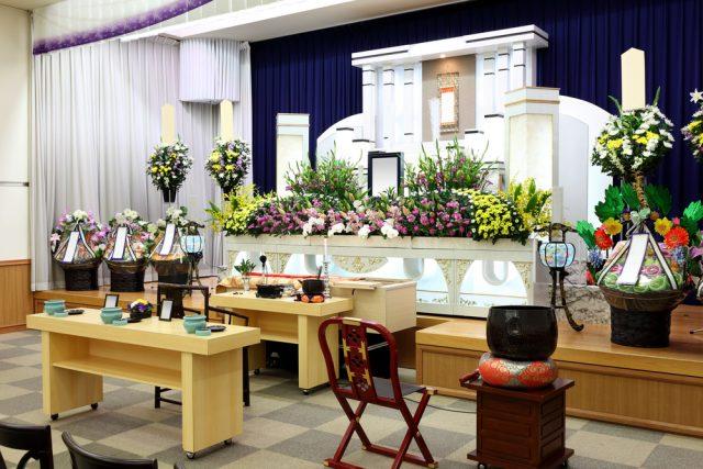 お葬式の喪主になって困ったこと1位は「葬儀費用の準備」お葬式費用の相場はいくらなの?