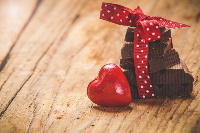 ご褒美チョコが増え、義理チョコ文化はついに衰退? コロナ禍でバレンタインデーはどう変わった?