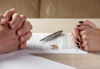 離婚時の慰謝料、相場は決まっているの?