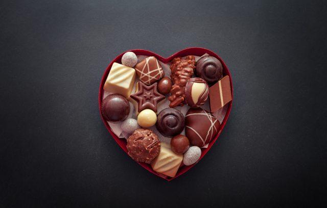 今年、義理チョコを渡さない人は半数以上。2021年のバレンタイン事情とは