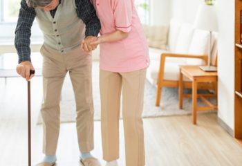 在宅介護で利用できる介護保険サービスって?夜間対応もあるものは?