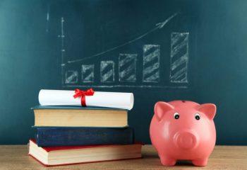 学生時代の国民年金保険料は早めに納めたほうが良い?